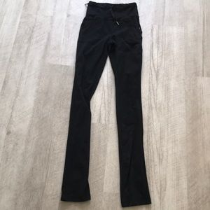 Lululemon black straight leg leggings guc